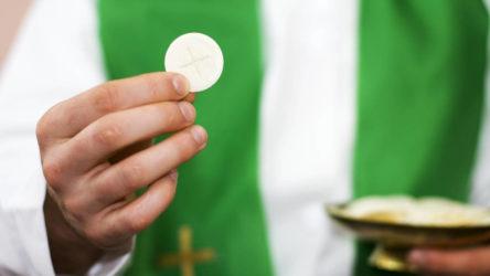 Precisiones de la Comisión de Liturgia sobre las hostias para celíacos